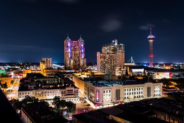 """Vista desde el Hyatt Hotel, hotel participante de la campaña """"Sí San Antonio"""". Foto: Jonathan Cutrer"""