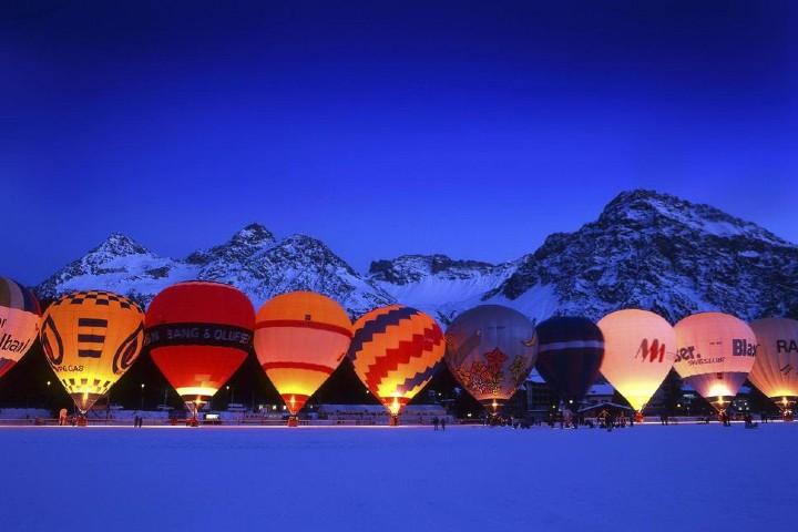 Vuelo en globo por los Alpes Suizos. Foto: La voz del muro