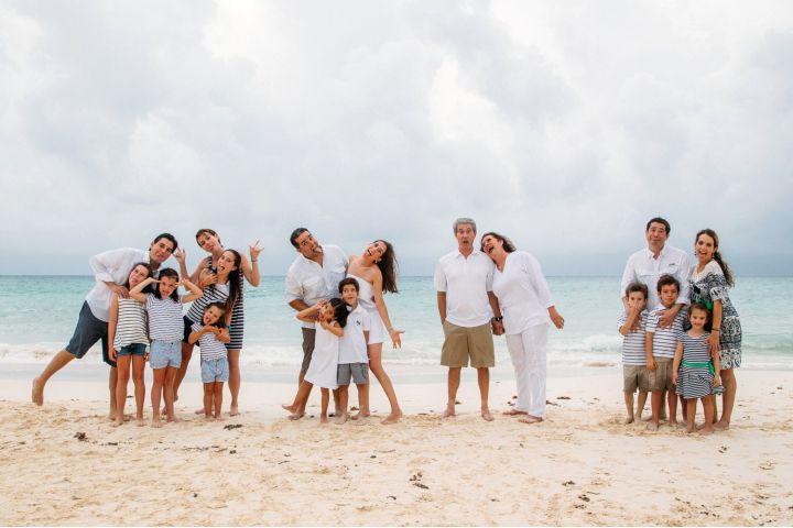 Familia en la playa Foto Jerry Aguirre