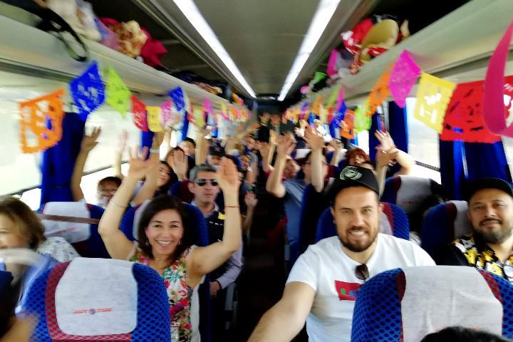 Renta de Autobuses Autotur. Foto: El Souvenir