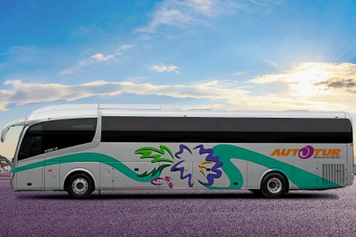 Rentar un autobús para tus vacaciones. Foto: Autotur