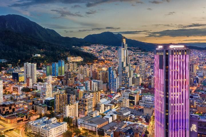 Bogotá de noche. Foto: JT ASTK