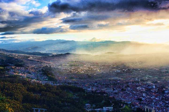 Bogotá desde las alturas. Foto por André Albuquerque.
