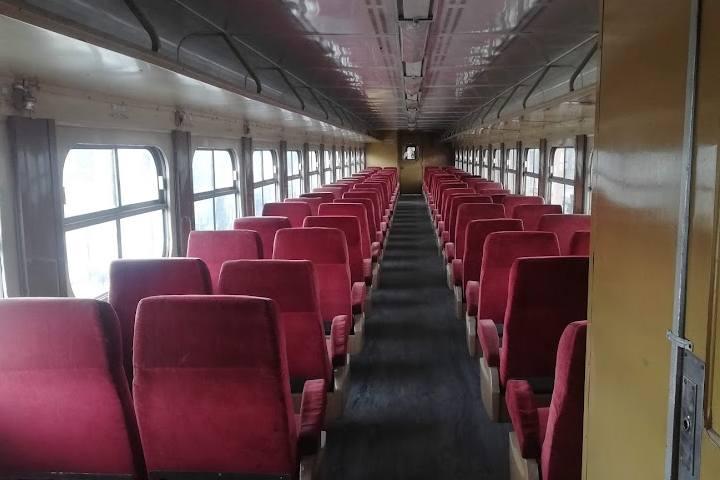 Interior de vagones - Foto Luis Juárez J.
