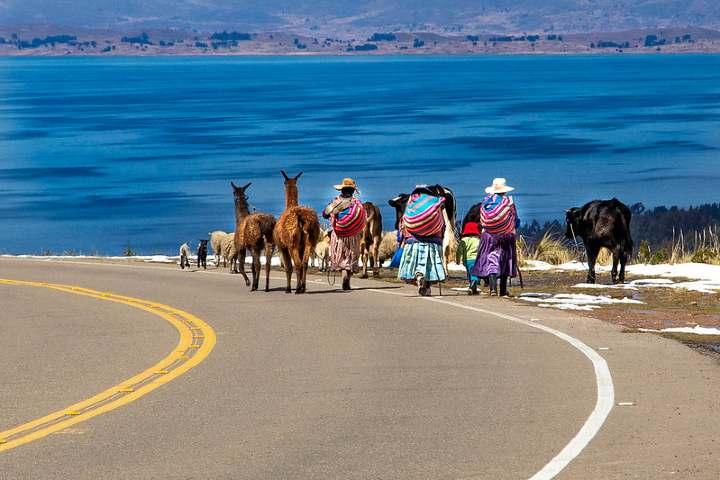 Vista hacia el Lago Titicaca. Foto por Philipp Ramseir.