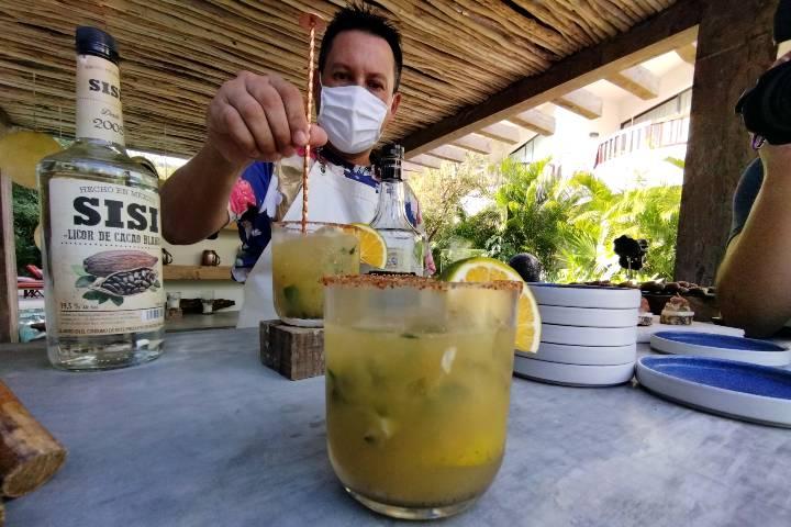 Bebidas en la Hora Kimpton. Foto El Souvenir